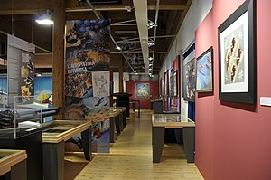 Museo dell'Aeronautica Gianni Caproni intermediate floor and art (1).JPG