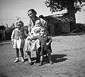 Nő és három gyerek, 1965 . Fortepan 59516.jpg