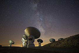 NOEMA antennas under the Milky Way.jpg