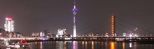 A view of Dusseldorf, the state capital of North Rhine-Westphalia Nacht in Dusseldorf cropped.jpg
