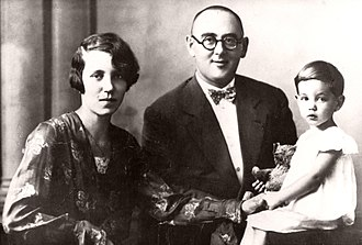 Imre Nagy - Nagy with his wife Mária and daughter Erzsébet in 1929.