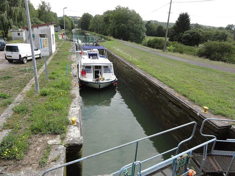 Naix-aux-Forges (Meuse) Canal de la Marne au Rhin, écluse nr 15