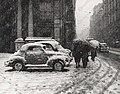 Napoli, nevicata 1956, Via Toledo.jpg