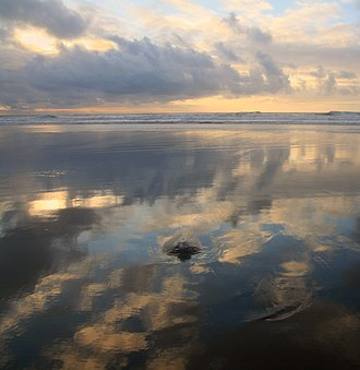Low tide at Ocean Beach in San Francisco, California, U.S. Negative low tide at Ocean Beach 1.jpg