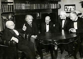 ผลการค้นหารูปภาพสำหรับ niel bohr and max prank