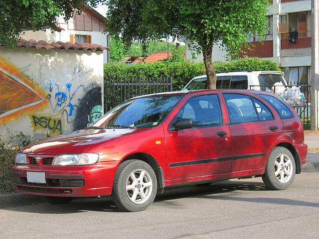 640px-Nissan_Almera_1.6_GXE_1996_%2815106439099%29