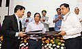 Nitin Gadkari witnessing the signing ceremony of the Concession Agreement for the Development of Sewage Treatment Plants under Hybrid Annuity based PPP mode, in New Delhi.jpg