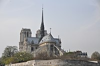Notre-Dame depuis la Seine.jpg