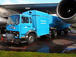 Old KLM fuel bowser pic4.JPG