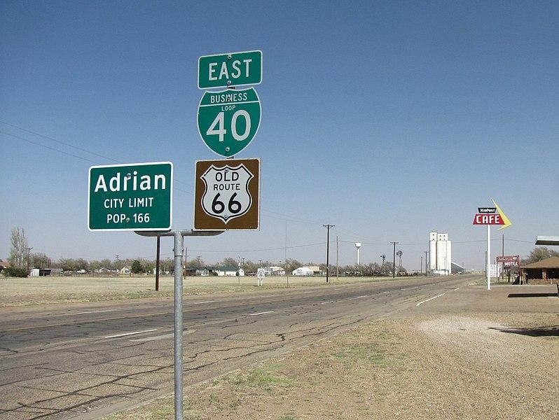 Route 66 : parcours d'un mythe américain. - Page 11 798px-Old_Route_66%2C_Adrian_Texas