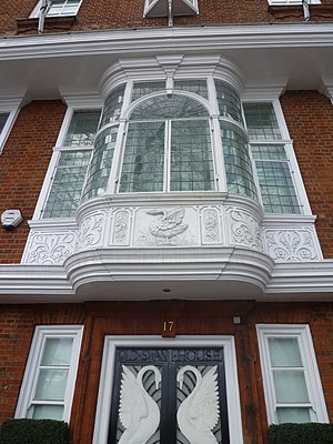 Swan House, Chelsea Embankment - Architect R. Norman Shaw included distinctive bay windows on the first floor