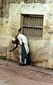 Old man begging in Thanjavur (4773311354).jpg