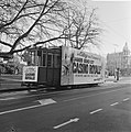 Opdracht Columbia, tram met reclame voor Casino Royale, Bestanddeelnr 920-9381.jpg
