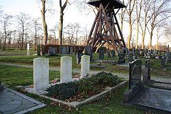 Opeinde - cemetery-24.JPG