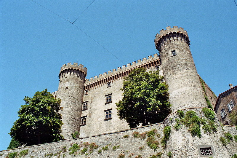 File:Orsini-Odescalchi Castle - from below.jpg