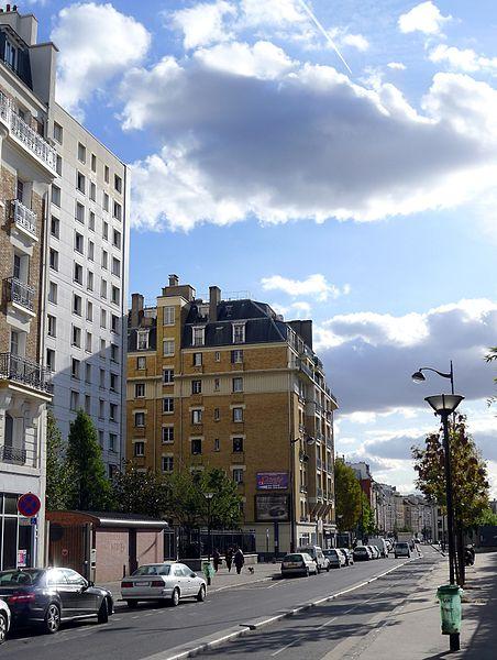Fichier:P1060190 Paris XVIII-XIX rue d'Aubervilliers rwk.jpg