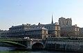 P1080168 Paris IV hôtel-Dieu rwk.jpg