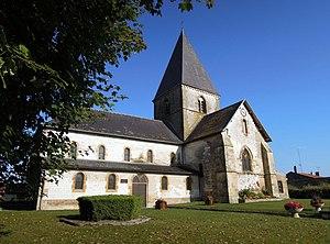 Machault, Ardennes - Image: PA00078459 l'église Saint Pierre de Machault Ardennes