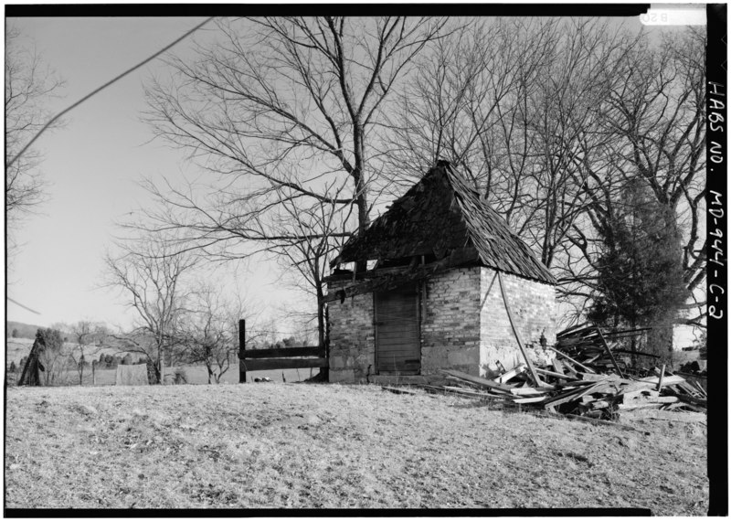 File:PERSPECTIVE VIEW OF OUTBUILDING NORTH (FRONT) AND WEST SIDE - Henry Rohrbach Farm, Outbuildings, East of Burnside Bridge Road, Sharpsburg, Washington County, MD HABS MD,22-SHARP.V,24-C-2.tif