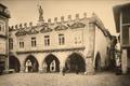 Paços do Concelho de Guimarães (finais do século XIX) - Emílio Biel.png