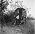 Paddy Rush (links) voor een huifkar, Bestanddeelnr 191-0813.jpg