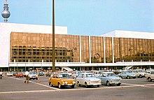 Palast der Republik 01 june 1977.jpg