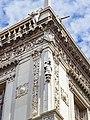 Palazzo della Loggia fregio e statua Brescia.jpg