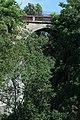 Parc des Buttes-Chaumont, pont des Suicidés 04.jpg