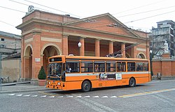 Parma Menarini trolleybus 39 southbound at Piazzale Barbieri in 2003.jpg