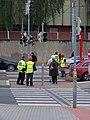 Partyzánská, městská policie a Metrostav na přechodu.jpg