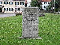 Penzing-Bayern-Gedenkstein-740.JPG