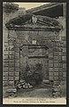 Pierrelatte (Drôme) - Porte de l'Ancien Château du Baron des Adrets (33727254214).jpg