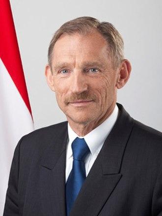 Government of Hungary - Sándor Pinter