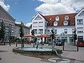 Plüderhausen Marktbrunnen-bei-Staufenhalle 2020 MTh.JPG