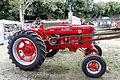 Plougoulm - Gouel an Eost 2011 - tracteur Mc Cormick Farmal équipé d'une poulie pour batteuse - 001.jpg