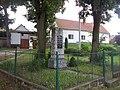 Pomník padlým ve Vrbnu (Q80460354).jpg