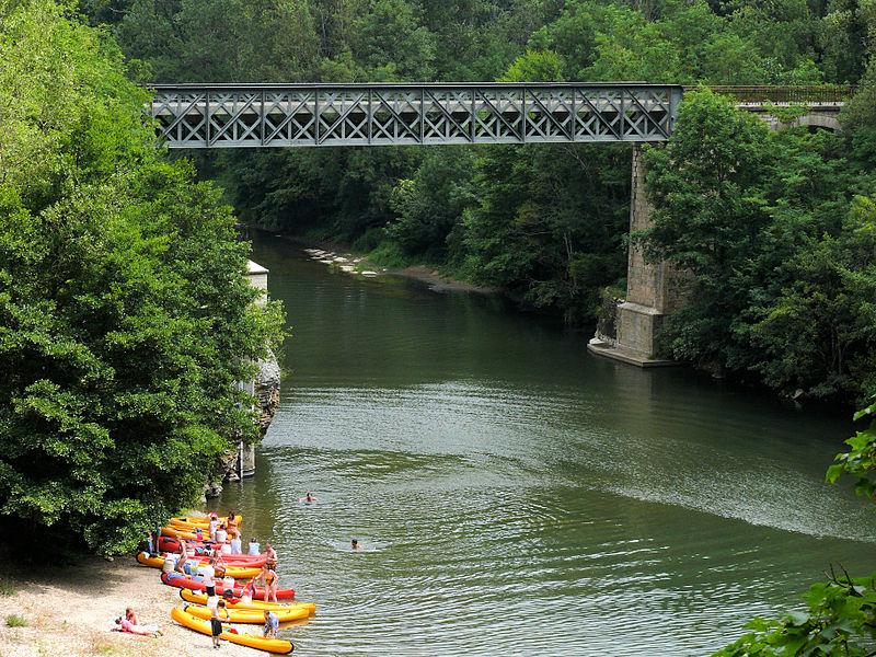 File:Pont de Montbrun sur le Tarn.jpg