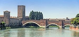 Battle of Verona (1805) - Image: Ponte di Castelvecchio (Verona)
