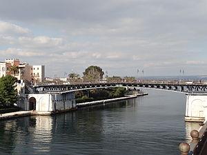 Ponte Girevole in Tarent