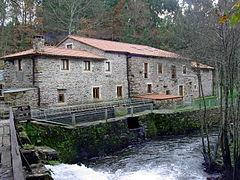 Portomouro-Río Tambre 2003GDFL 010.jpg