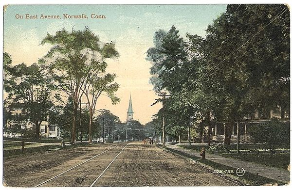 East Avenue, from a postcard sent in 1909 PostCardEastAvenue1909postmark.jpg