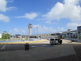 Puerto Rico — San Juan — Luis Muñoz Marín International Airport (outside, pick-up-drop-off area).jpg