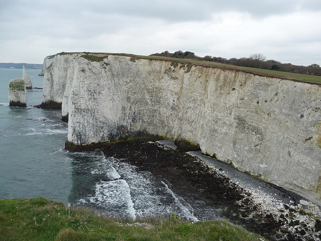 File:Purbeck , The Pinnacles and Chalk Cliff Faces ...
