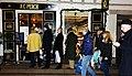 Queue of tea drinkers in front of A. C. Perch's tea shop i Copenhagen - panoramio.jpg