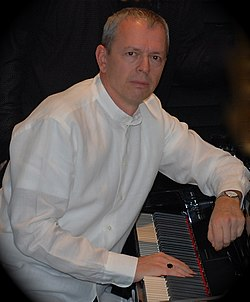 Róbert Rátonyi jr. at concert in London.jpg