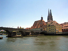 Regensburg-steinerne-bruecke-hytrion-enhanced 1-1024x768