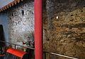 Restes de la muralla islàmica a l'interior d'un comerç del carrer dels Serrans, València.JPG