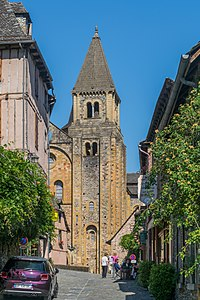 Rue Gonzague Florens in Conques 04.jpg