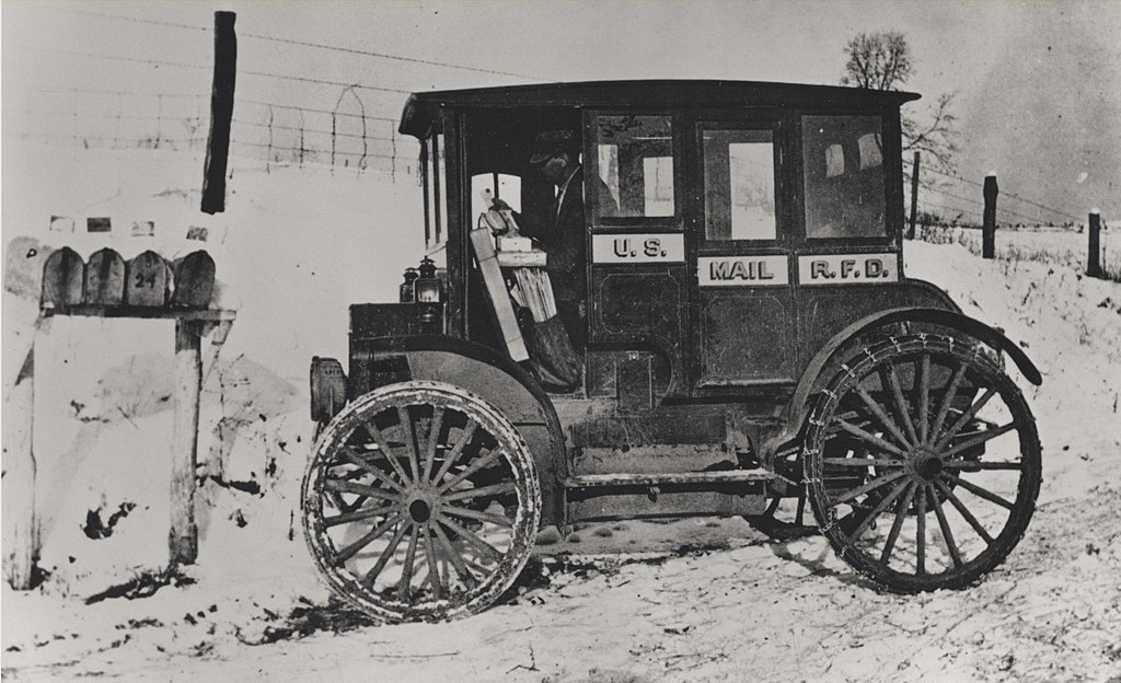 Automobile Mail: File:Rural Carrier In Automobile At Mailboxes, C.1910.jpg