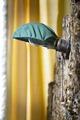 Sänglampa i gula sängen. Stående bild - Skoklosters slott - 85954.tif